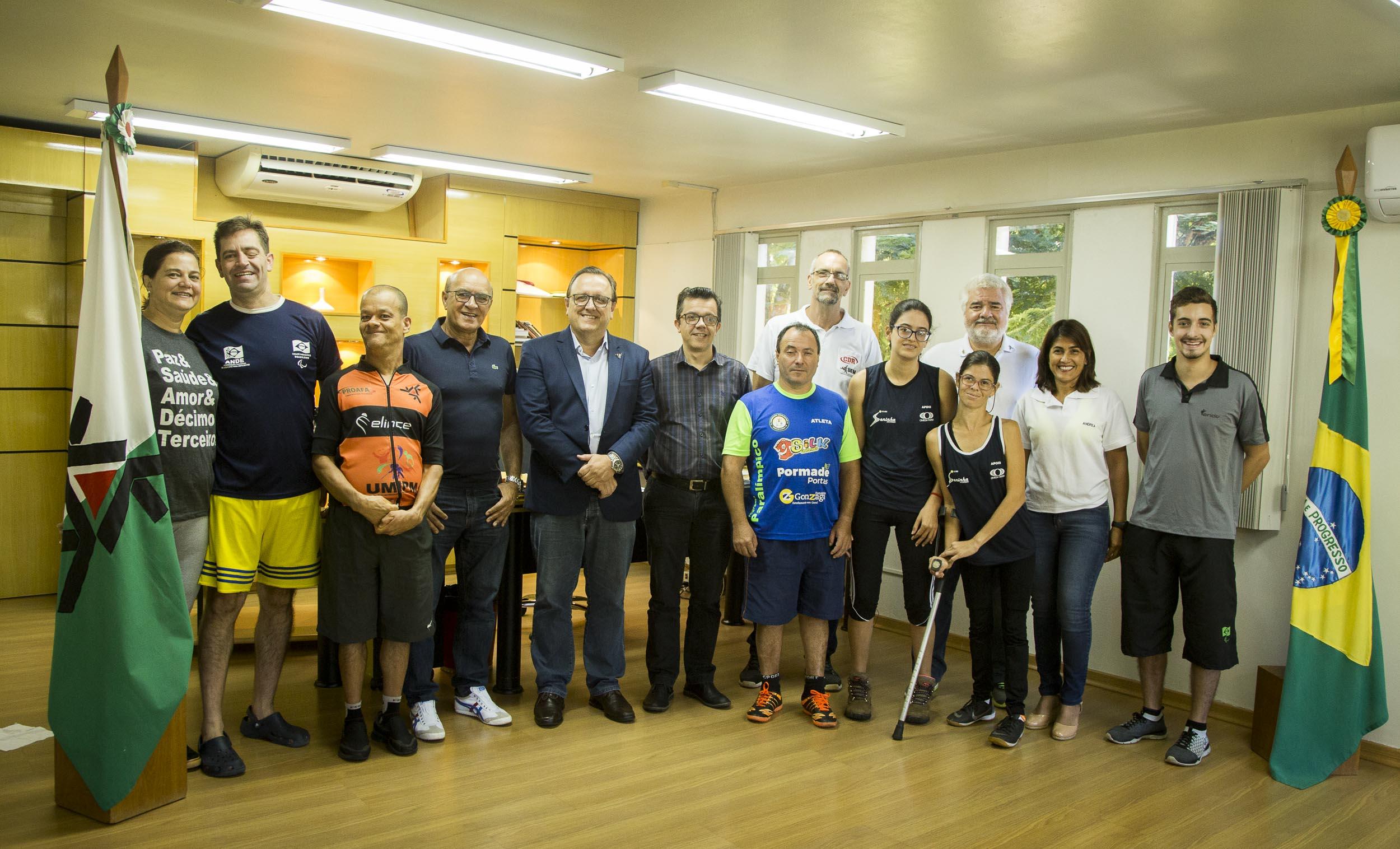 Reitoria recepciona atletas e comissão técnica da seleção paralímpica de Petra