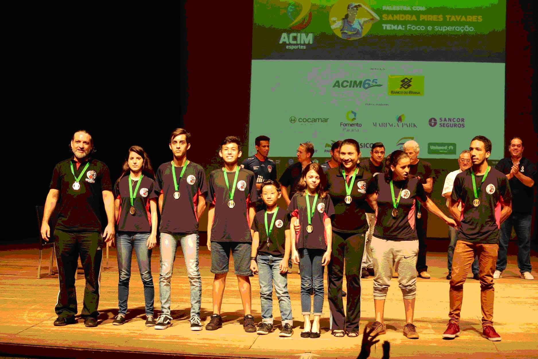 Atletas da UEM recebem homenagem da ACIM pelo destaque em 2018
