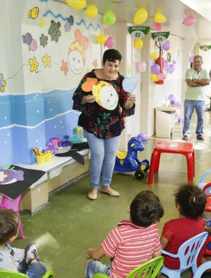 Crianças ganham espaço para brincadeiras e aprendizado no ambulatório do HU