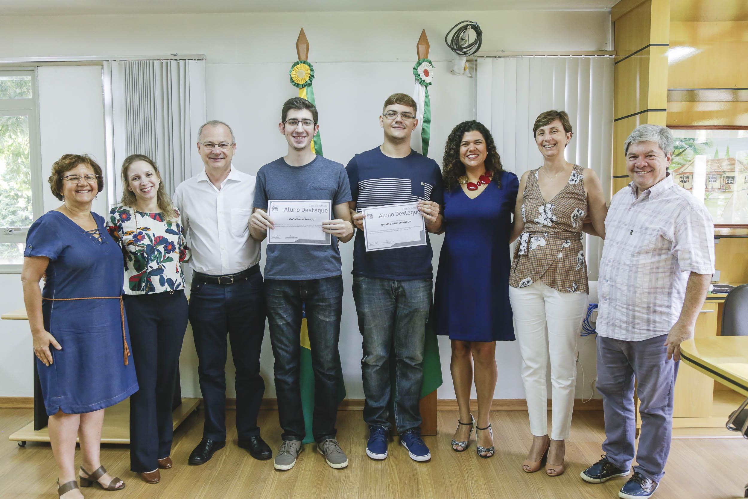 Estudantes recebem prêmio Destaque do Ano da Sociedade Brasileira de Computação