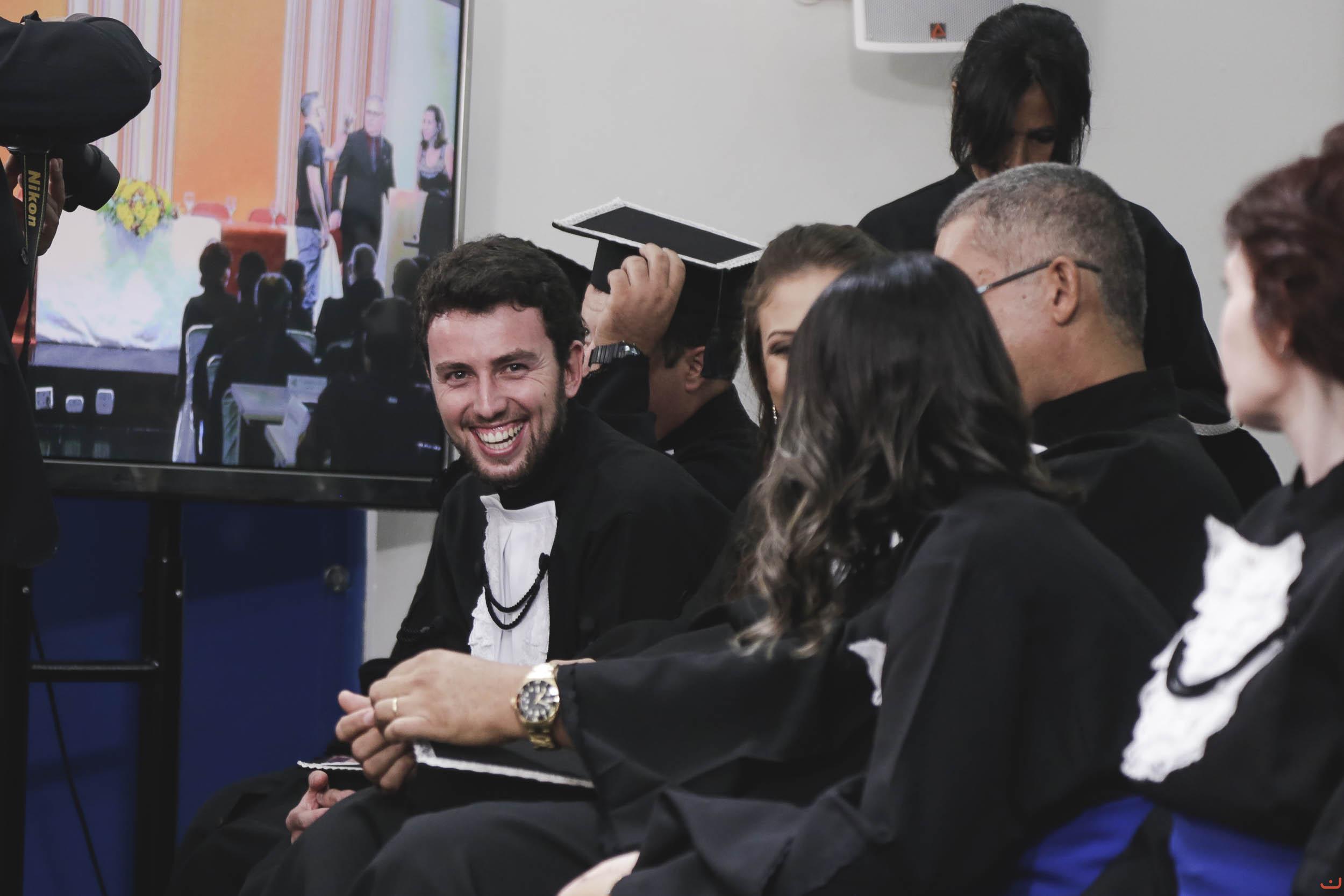 UEM forma 165 novos profissionais na Educação a Distância