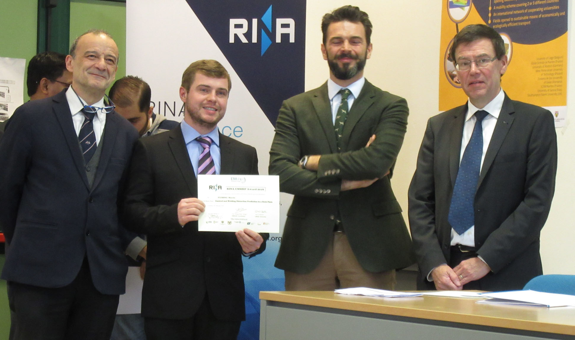 Egresso da UEM ganha prêmio na Itália