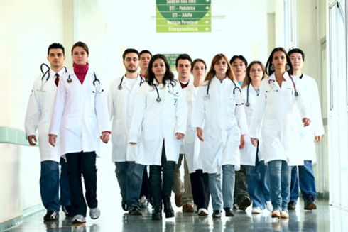 HUM adia lançamento do Congresso de Medicina