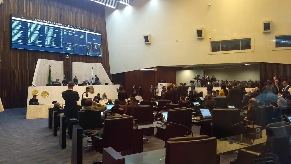 Deputados derrubam veto à Lei do Tide