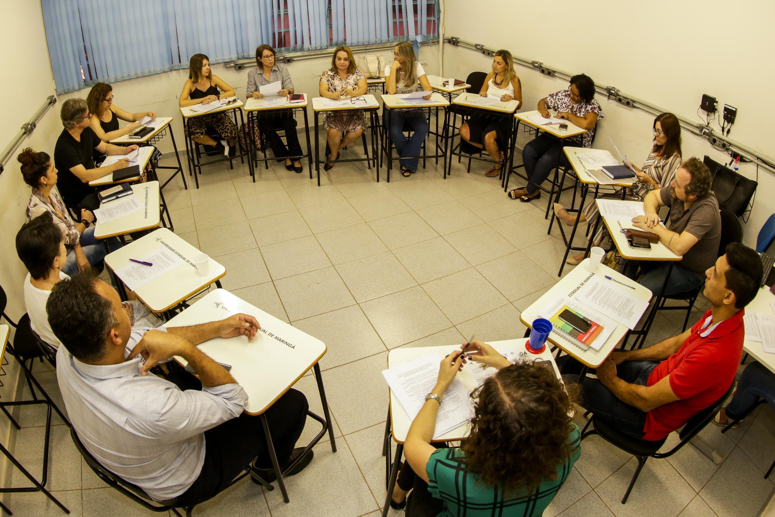 Comitê discute equivalência do Programa de Residência Pedagógica ao estágio