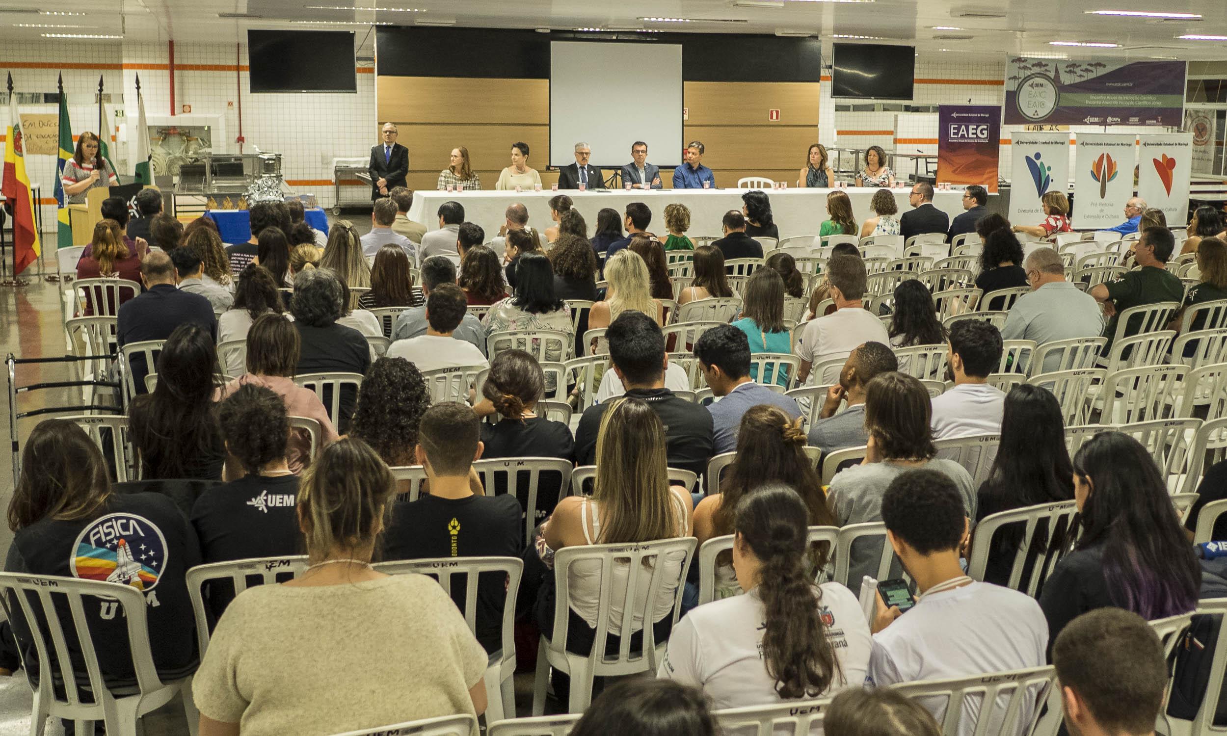 Dias intensos nos encontros anuais de ensino, extensão e iniciação científica