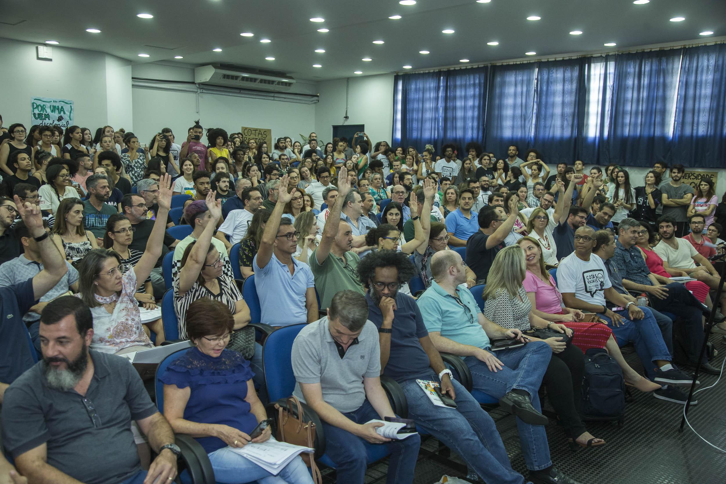 No Dia da Consciência Negra, UEM aprova cotas raciais para vestibulares