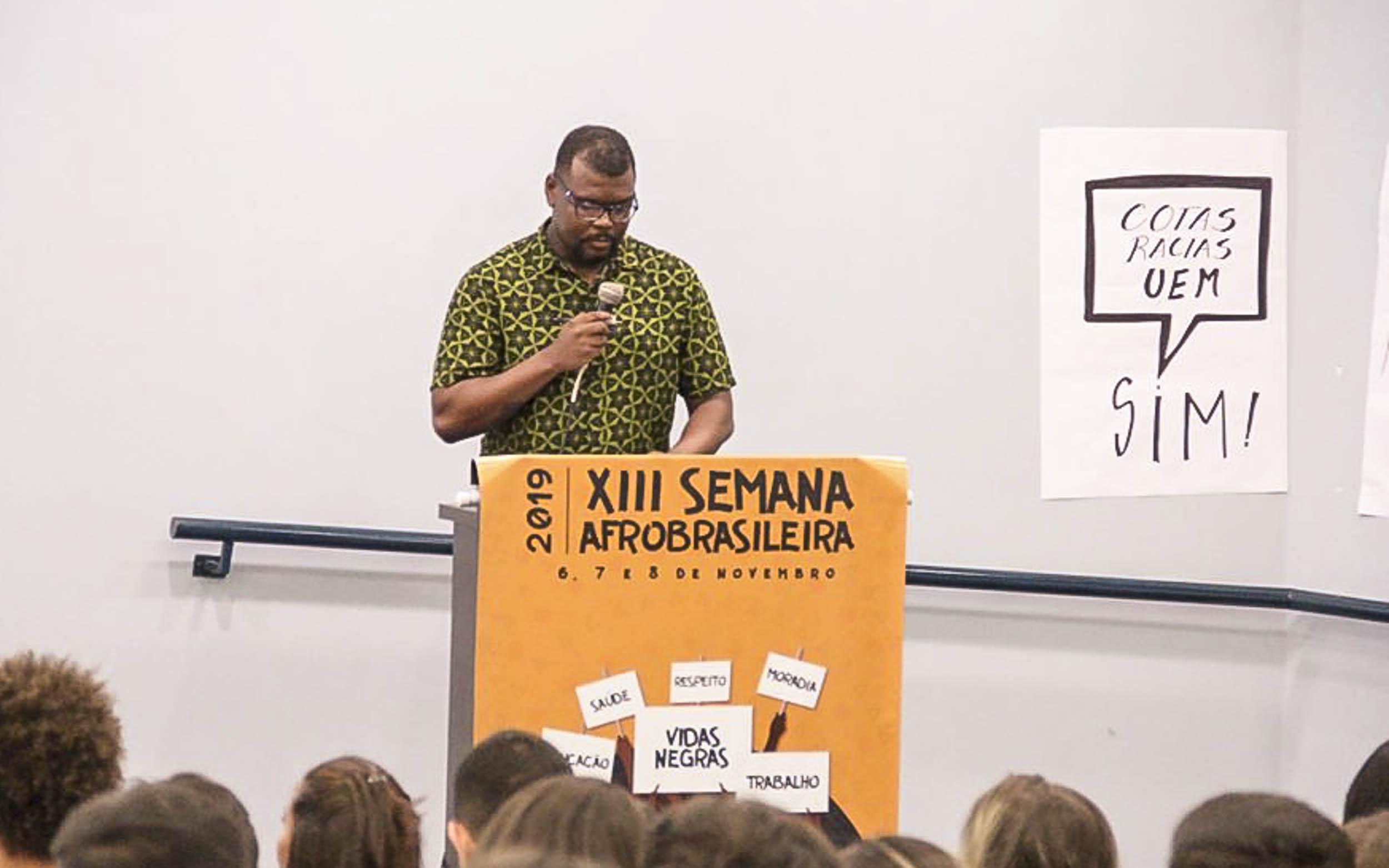"""Semana Afro-brasileira, com o tema """"Vidas Negras"""" reuniu mais de 500 pessoas"""