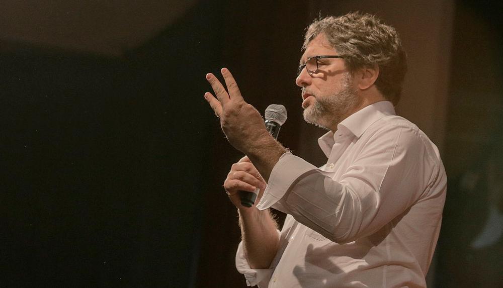 Cientista político Christian Lohbauer faz palestra no dia 28