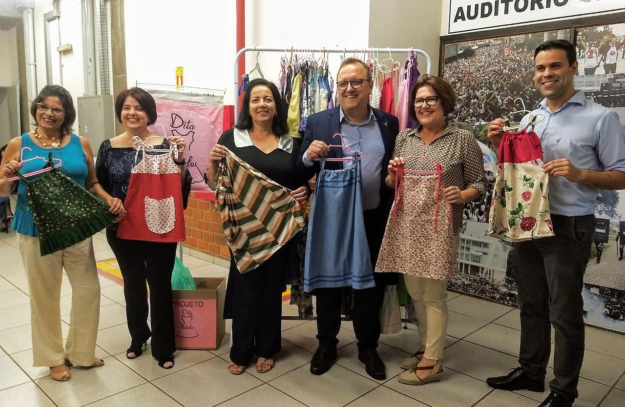 Pedagogia Hospitalar une-se a ONG que confecciona e doa vestidos