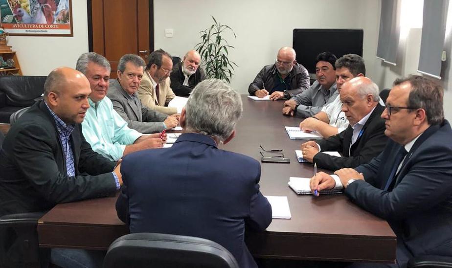 Projeto de desenvolvimento territorial é entregue ao secretário de Agricultura