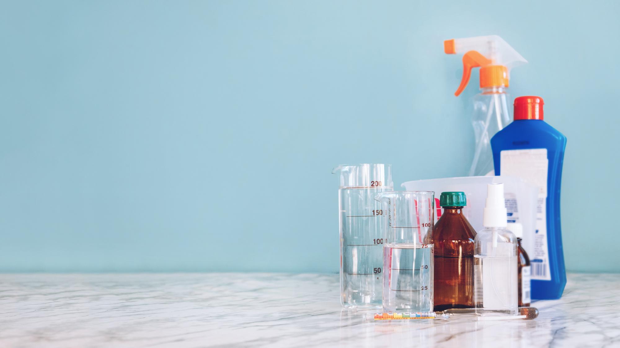 Álcool gel caseiro pode acarretar sérios problemas à saúde